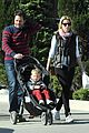 elizabeth banks family outing 07