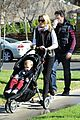 elizabeth banks family outing 18