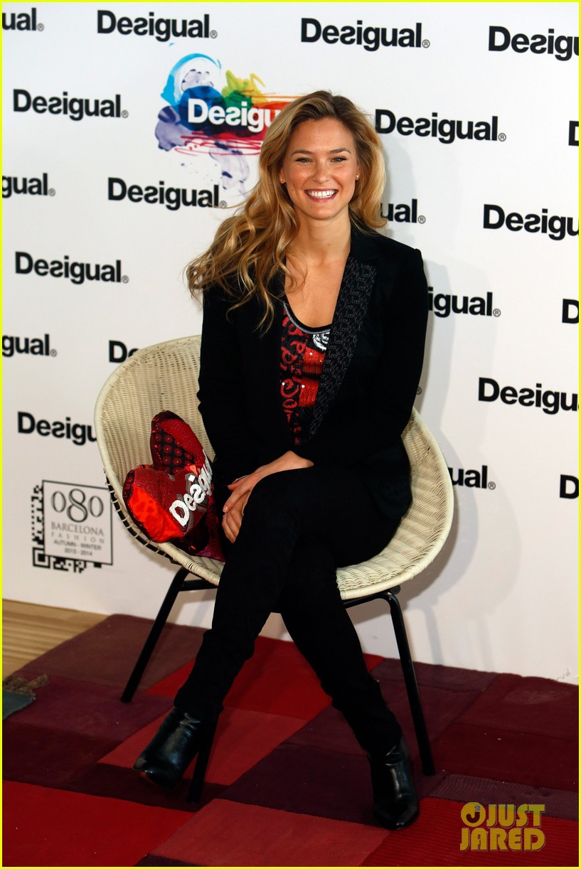 bar refaeli we love by desigual presentation 01