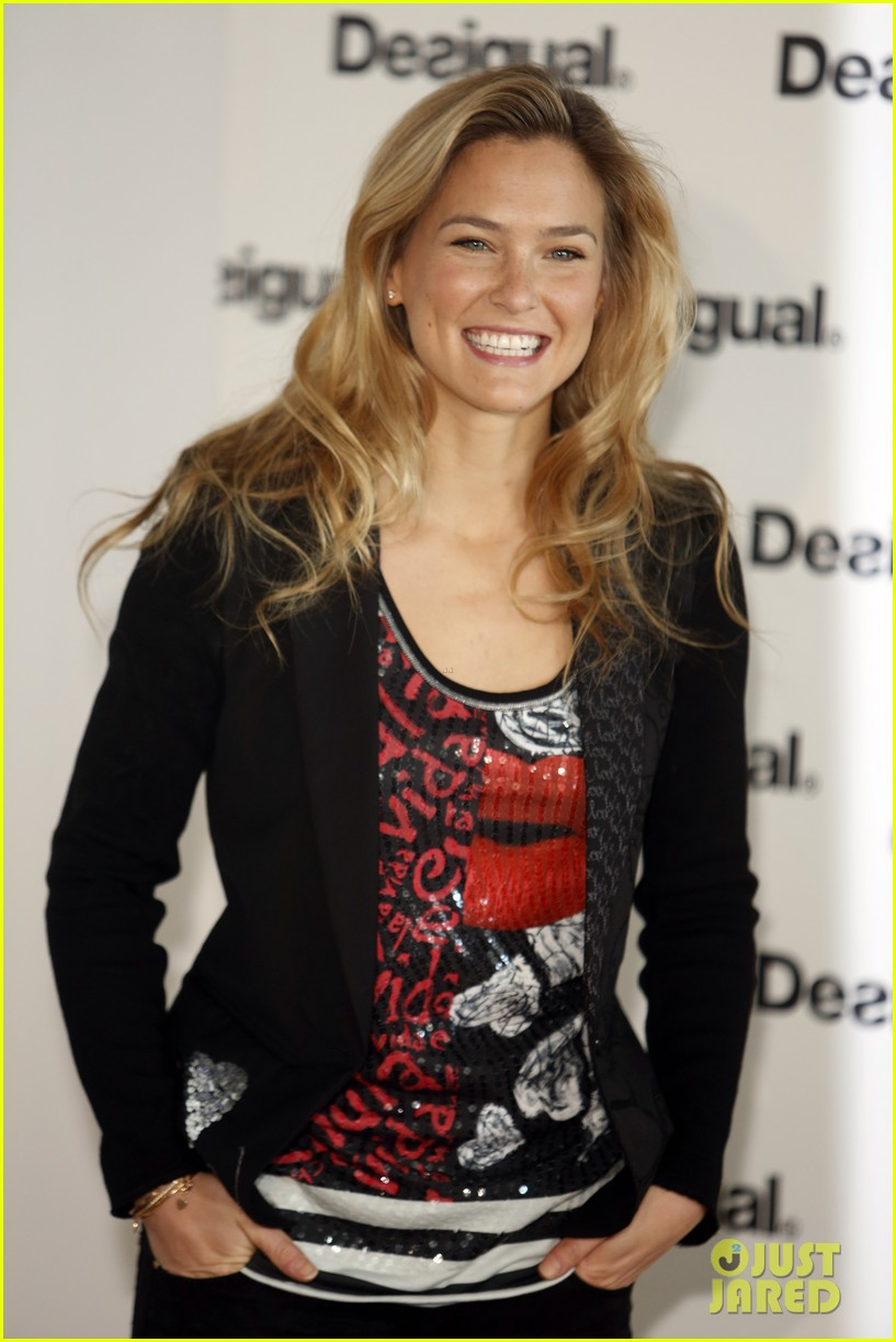 bar refaeli we love by desigual presentation 032800676
