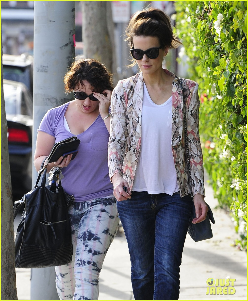 kate beckinsale melrose afternoon 10