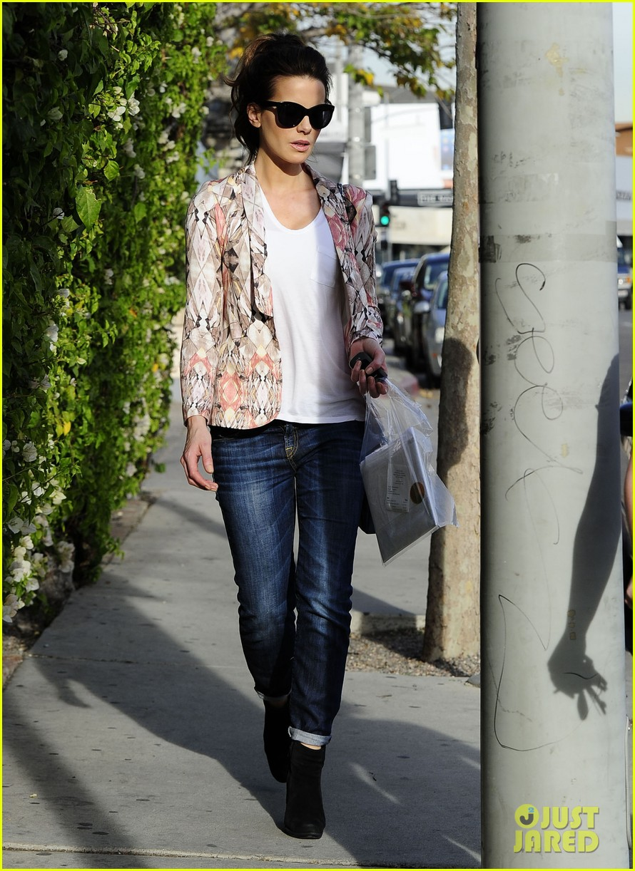 kate beckinsale melrose afternoon 122797342