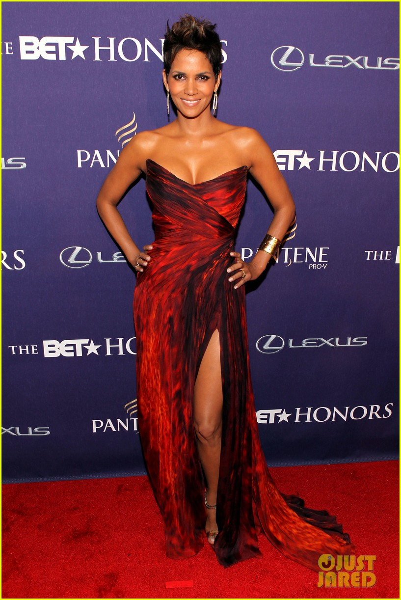 halle berry alicia keys bet honors 2013 red carpet 12