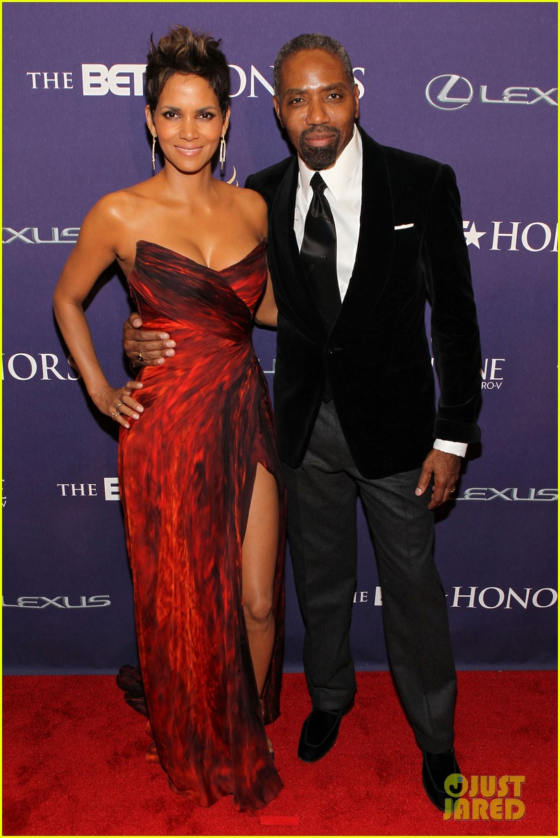 halle berry alicia keys bet honors 2013 red carpet 15