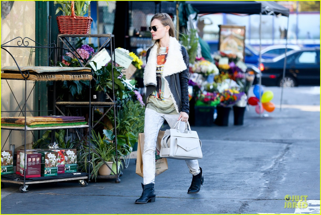 kate bosworth bristol farms grocery gal 092789431