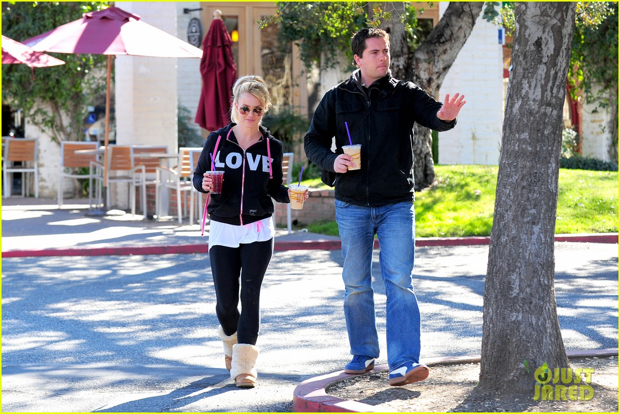 britney spears post split coffee run 05