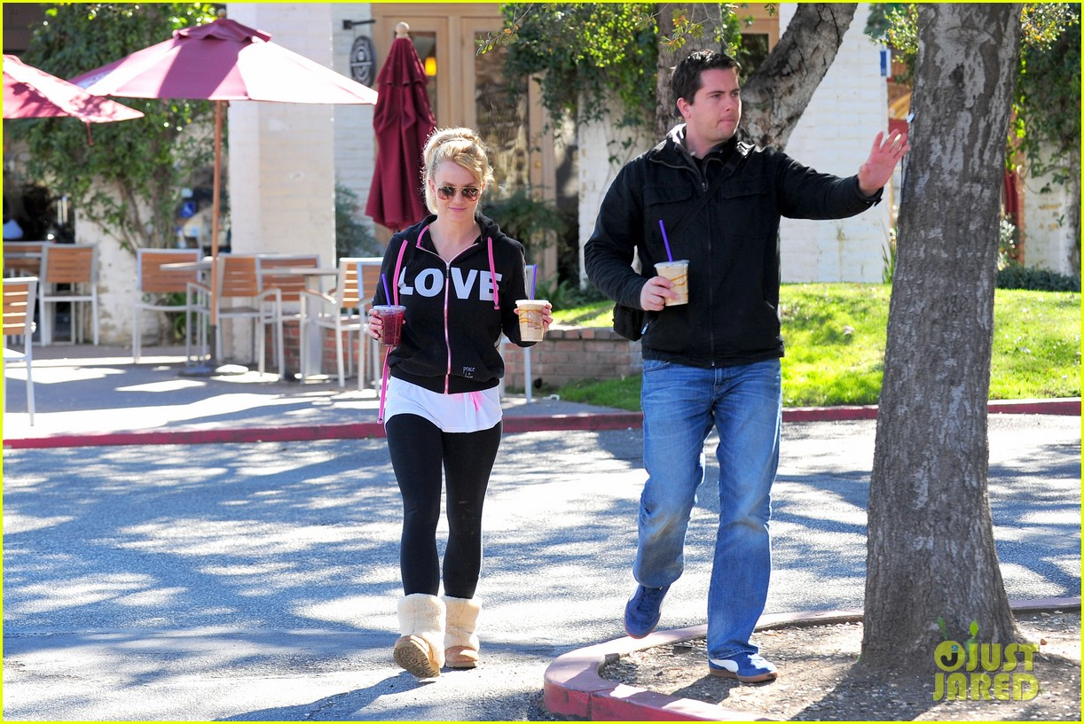 britney spears post split coffee run 08