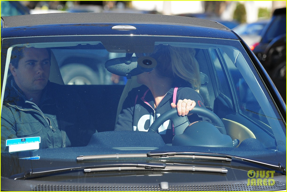 britney spears post split coffee run 19