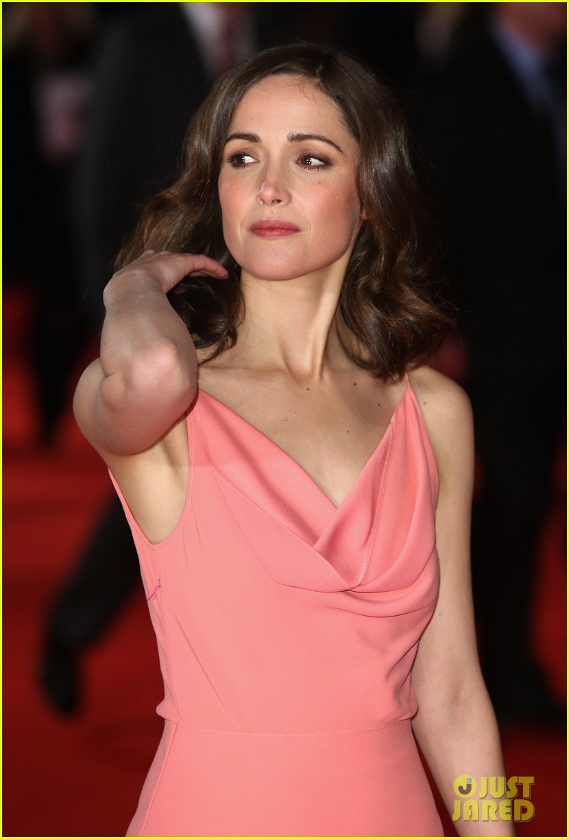 rose byrne i give it a year european premiere 17