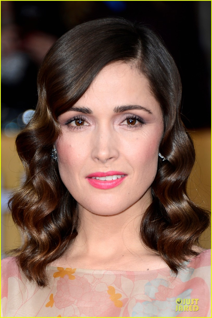 rose byrne sag awards 2013 red carpet 05