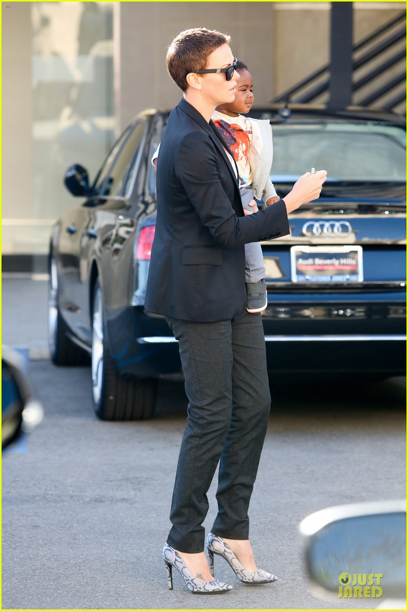 charlize theron inheret vice star 15