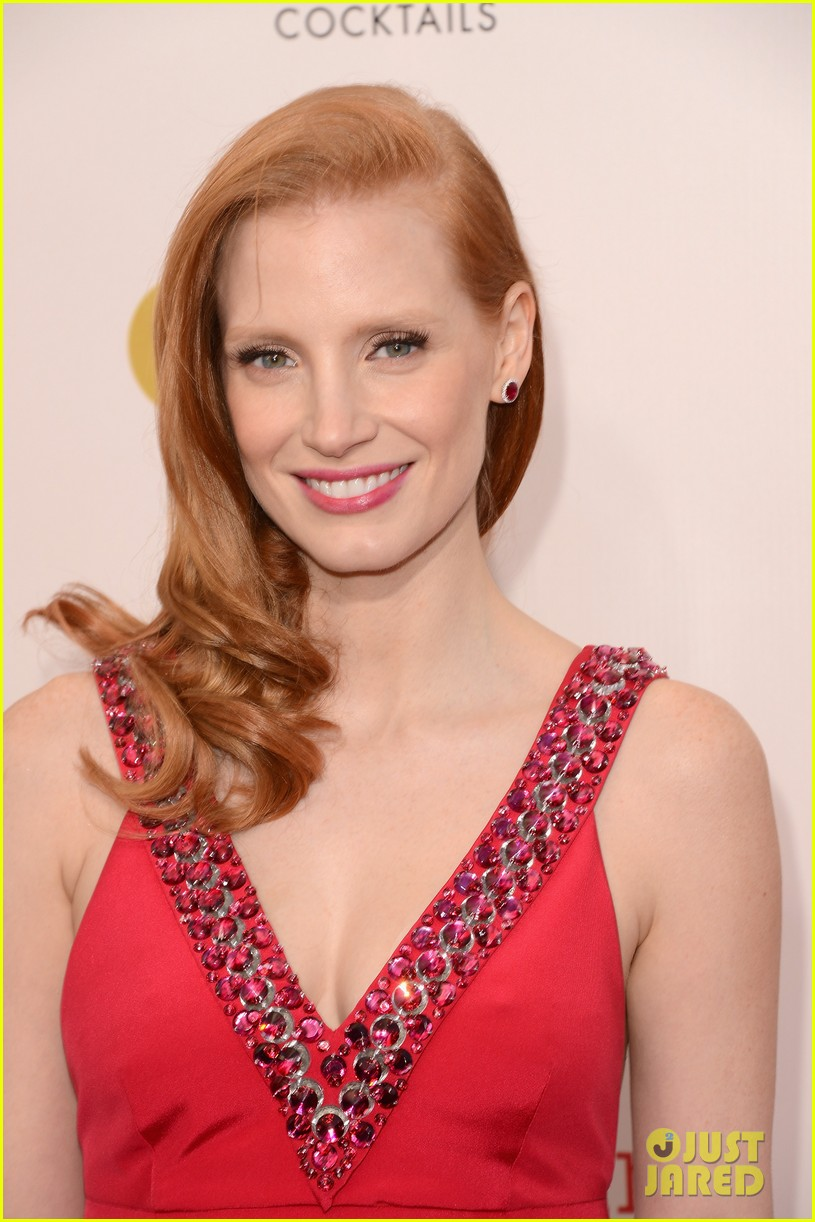 jessica chastain critics choice awards 2013 red carpet 022789052