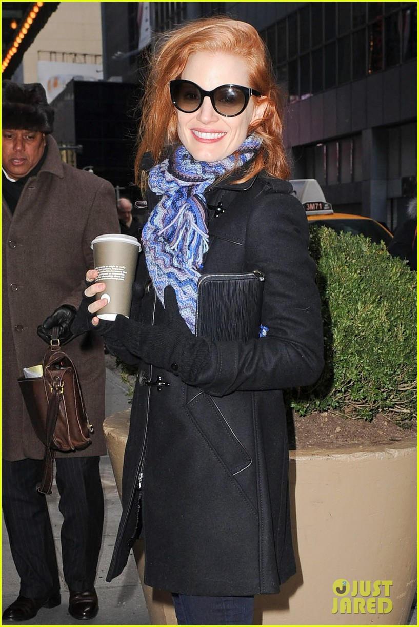 jessica chastain consoles crying fan at the heiress 062797432