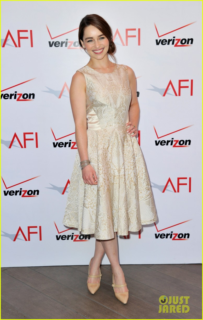 emilia clarke afi awards 2013 red carpet 102789229