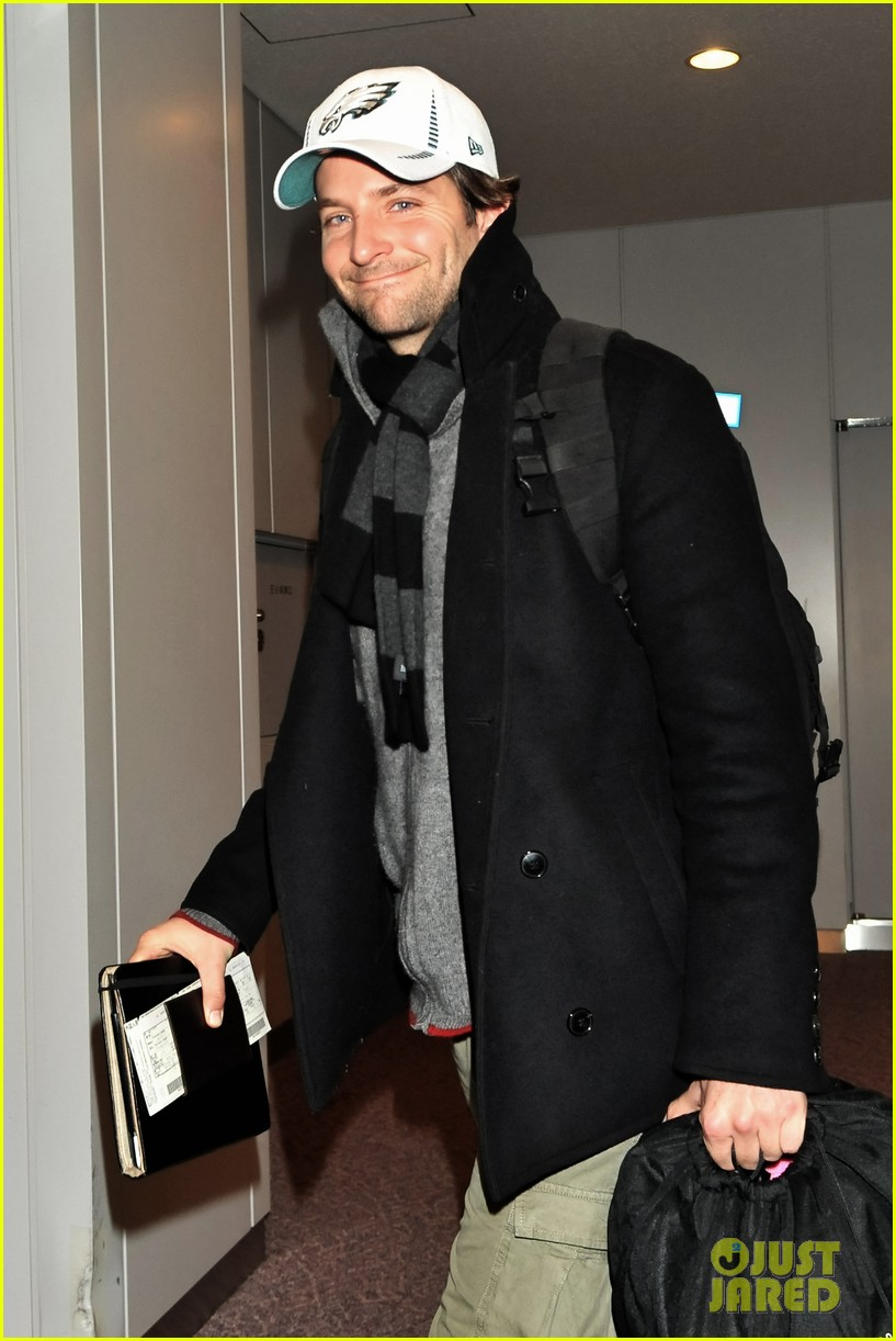 bradley cooper rome photo call japan jetsetter 04