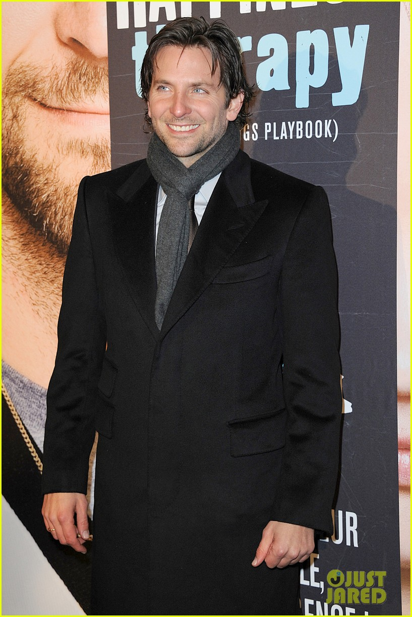 bradley cooper silver linings playbook paris premiere 17
