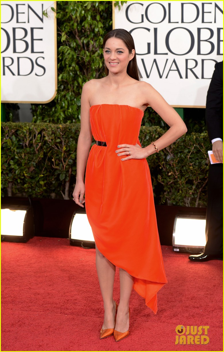 marion cotillard golden globes 2013 red carpet 01