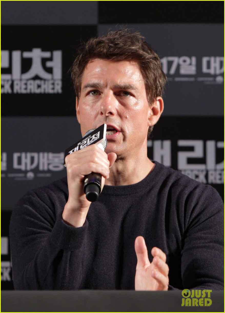 tom cruise rosamund pike jack reacher seoul photo call 212788116