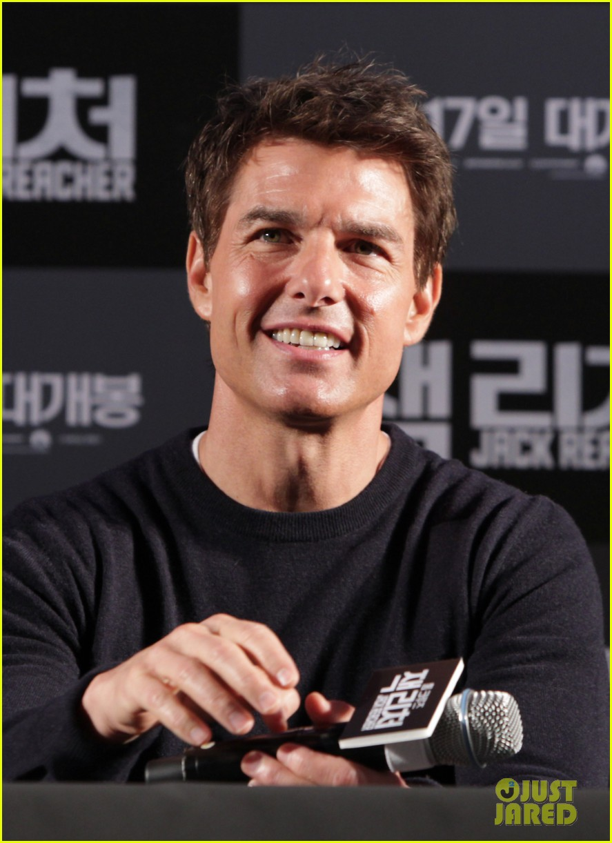 tom cruise rosamund pike jack reacher seoul photo call 27