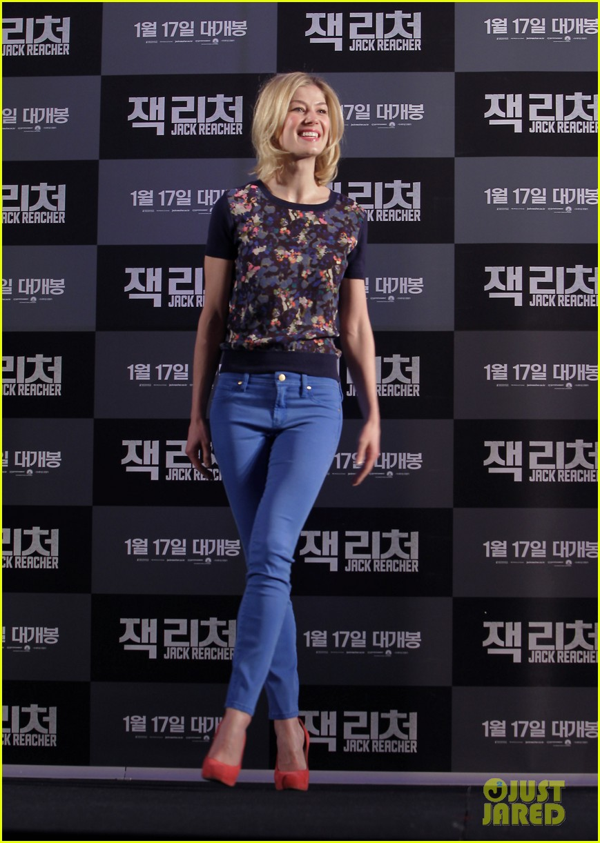 tom cruise rosamund pike jack reacher seoul photo call 292788124