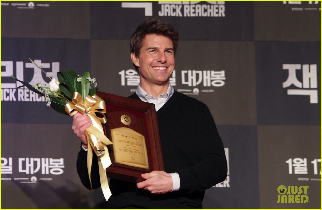 tom cruise rosamund pike jack reacher seoul screening 02