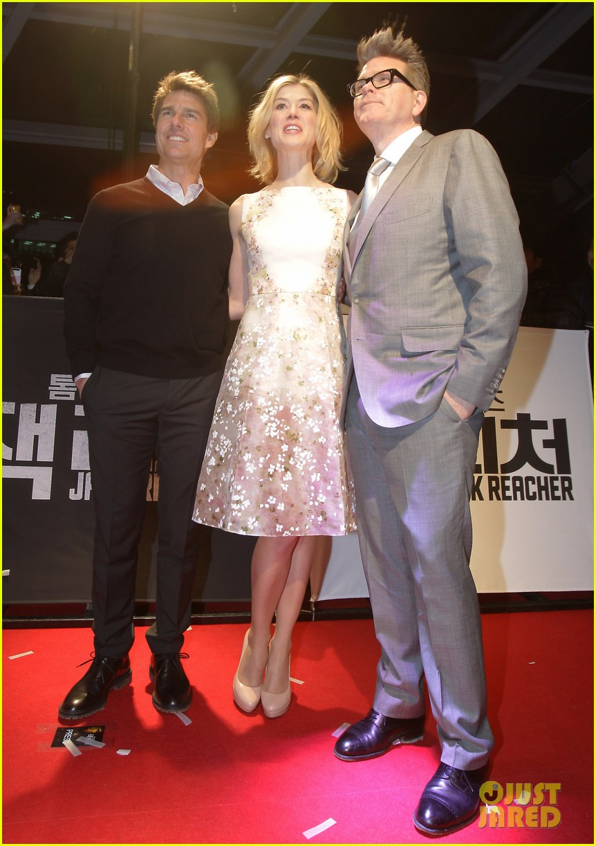 tom cruise rosamund pike jack reacher seoul screening 052788599