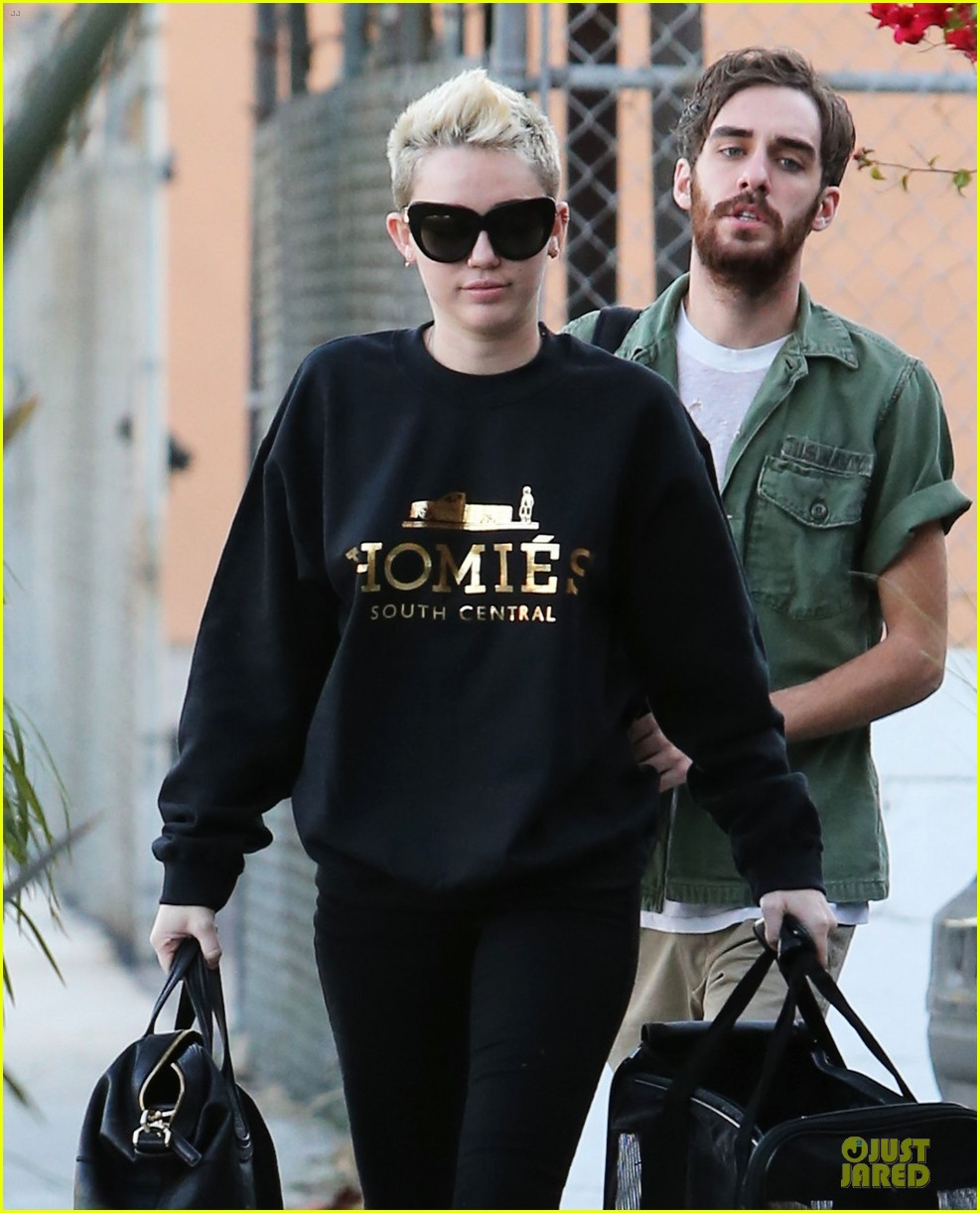 miley cyrus recording studio session with pet pooch bean 082784923