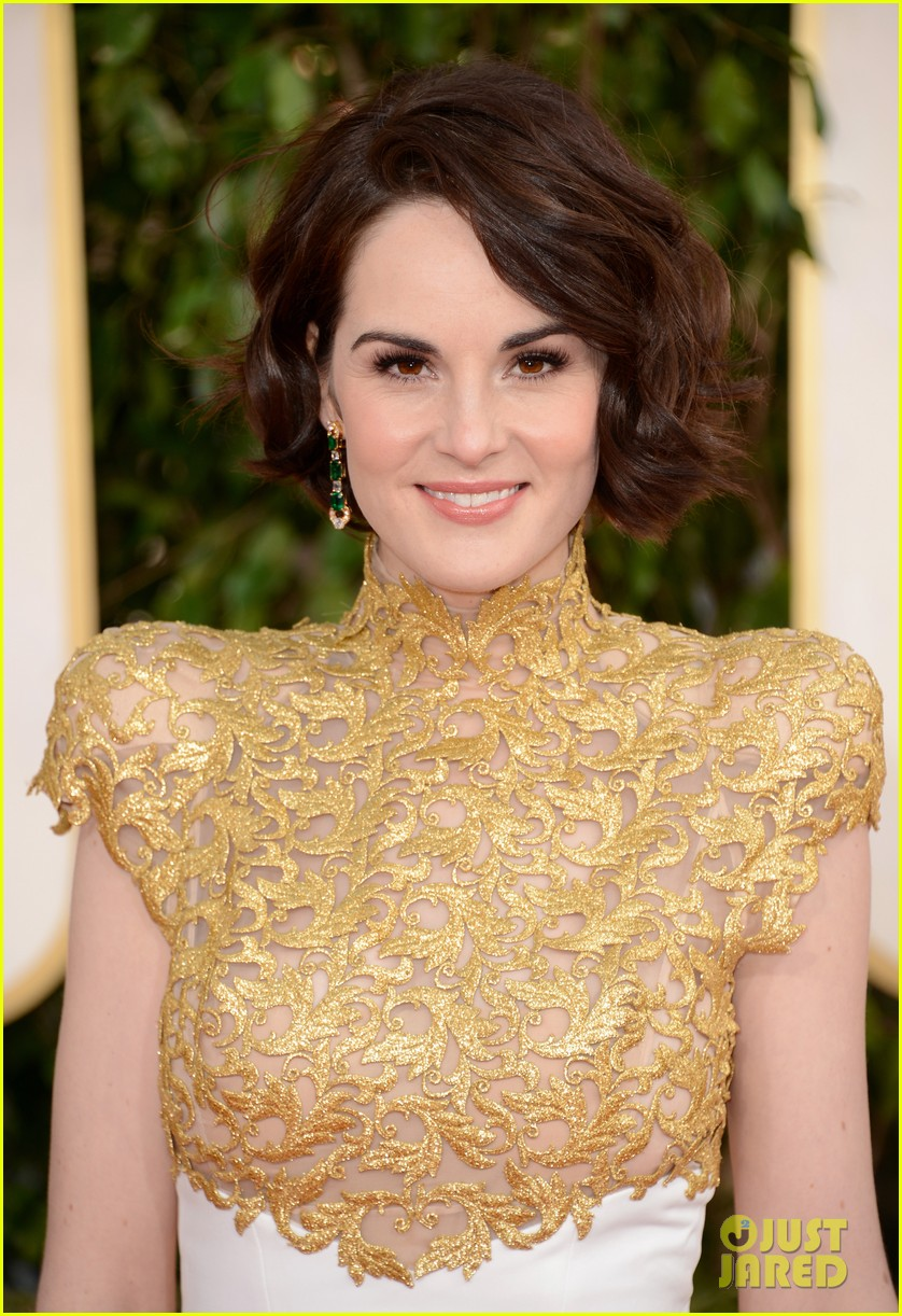 michelle dockery golden globes 2013 red carpet 032790853