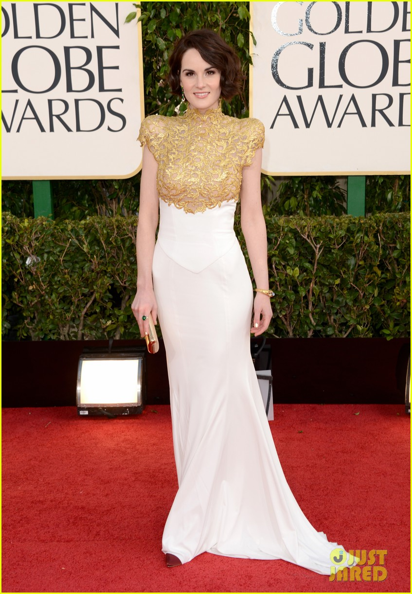 michelle dockery golden globes 2013 red carpet 042790854