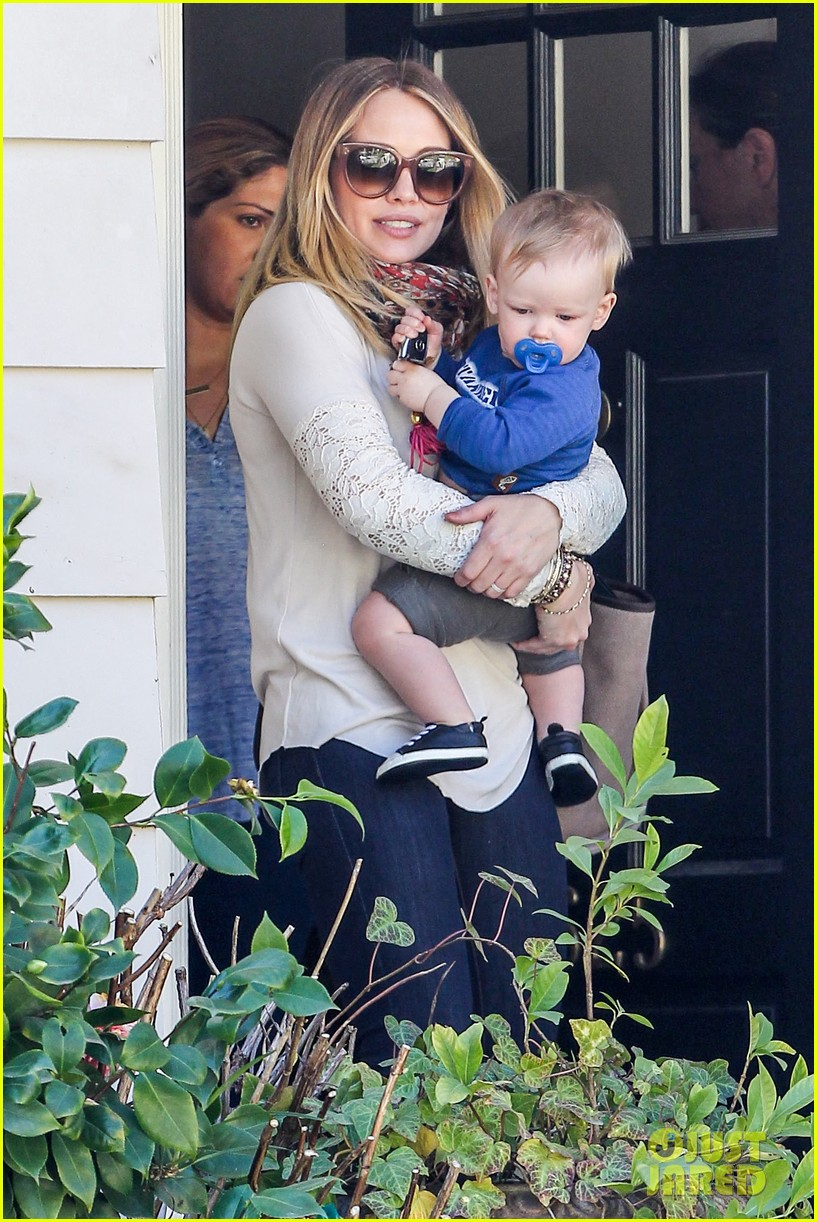 hilary duff mike comrie lakers lovers 02