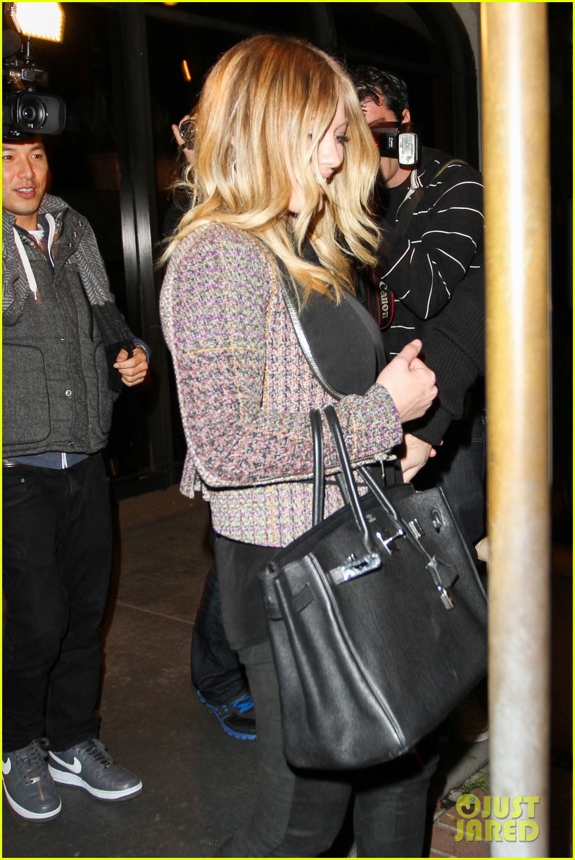 hilary duff mike comrie madeo dinner couple 10