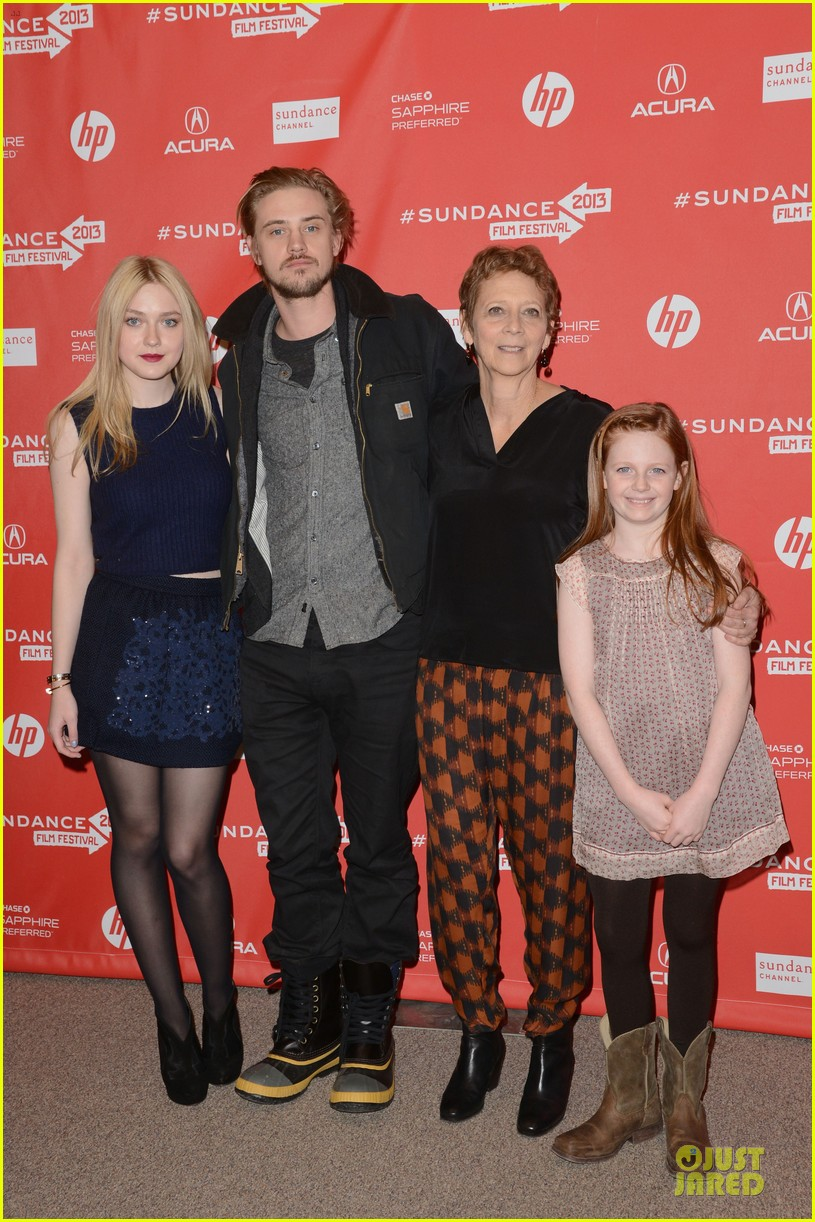 dakota fanning very good girls sundance premiere 01