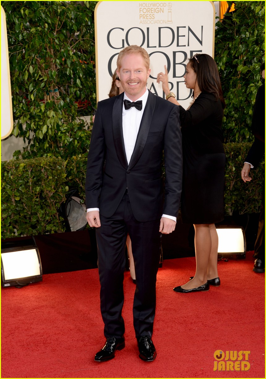 jesse tyler ferguson golden globes 2013 red carpet 012791403