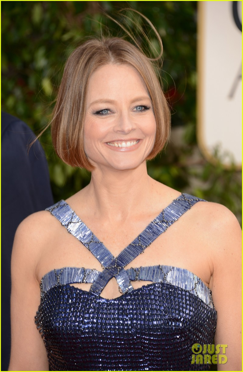 jodie foster golden globes 2013 red carpet 02