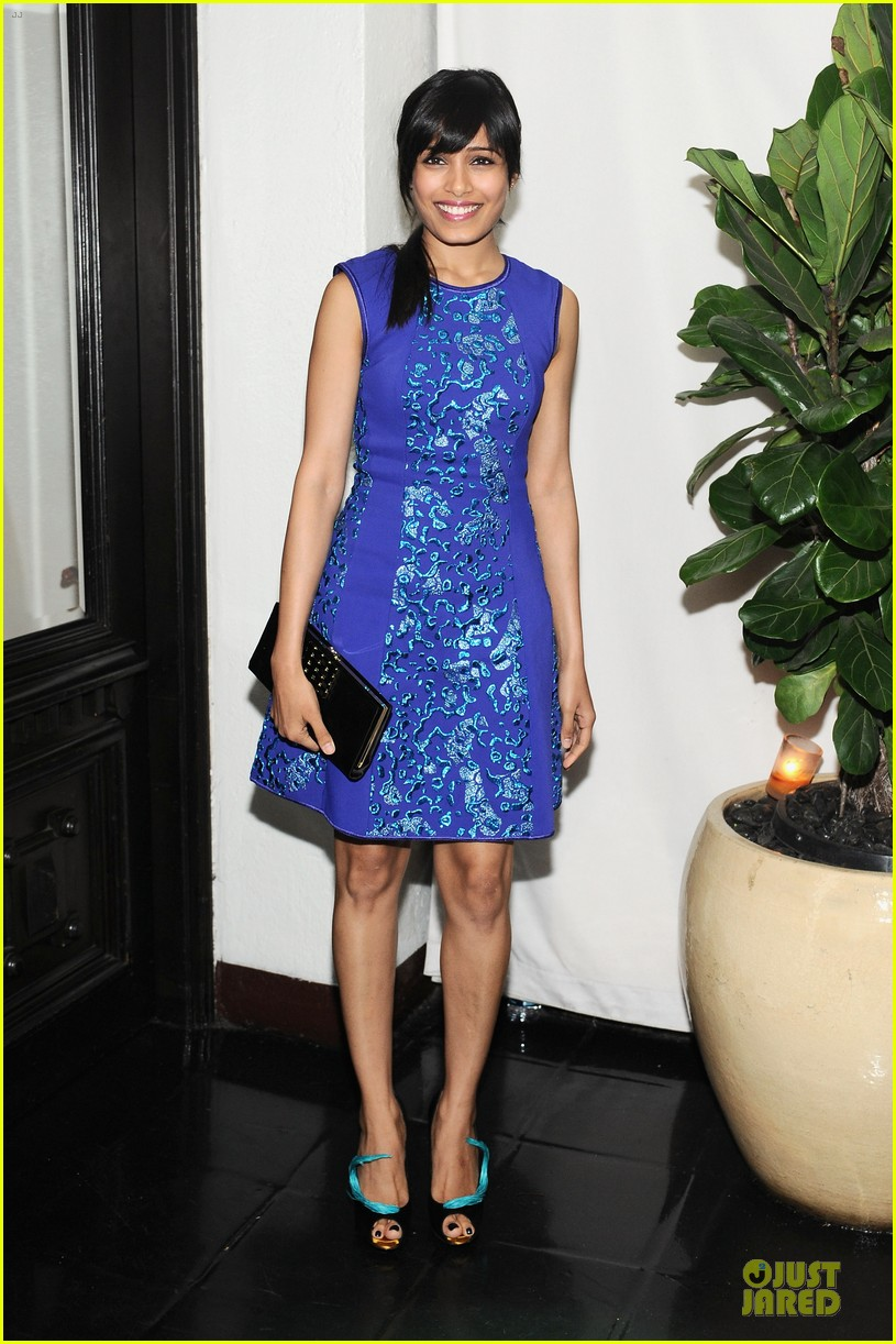 freida pinto dev patel w magazine pre golden globes party 01