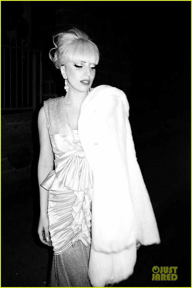 lady gaga born this way ball pre concert party 05