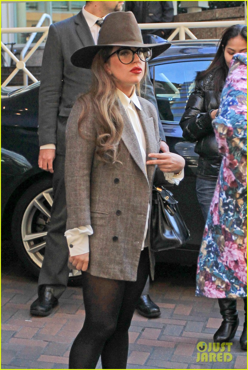 lady gaga steps out after kelly osbourne feud 12