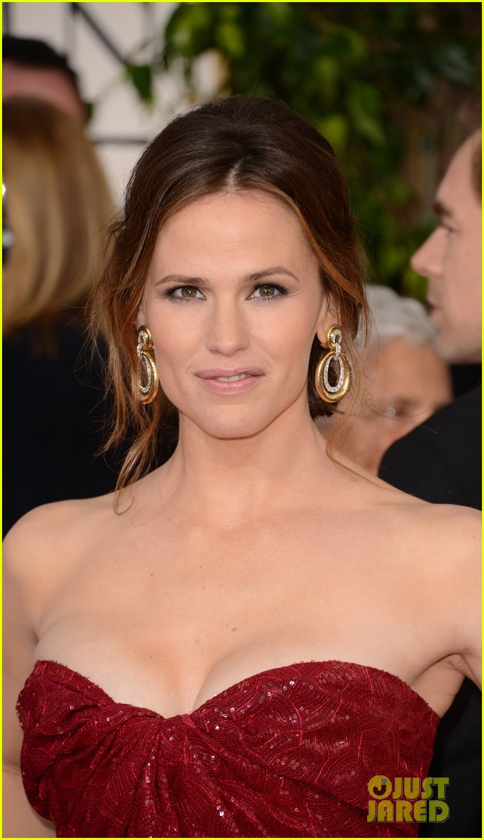 jennifer garner golden globes 2013 red carpet 032791226