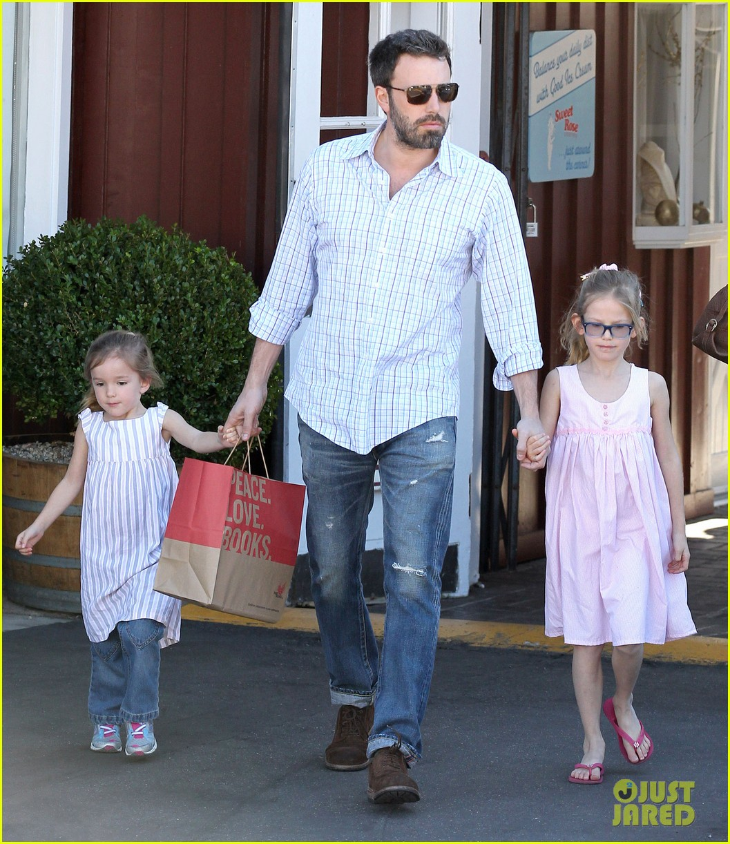 jennifer garner ben affleck weekend outings with the girls 07