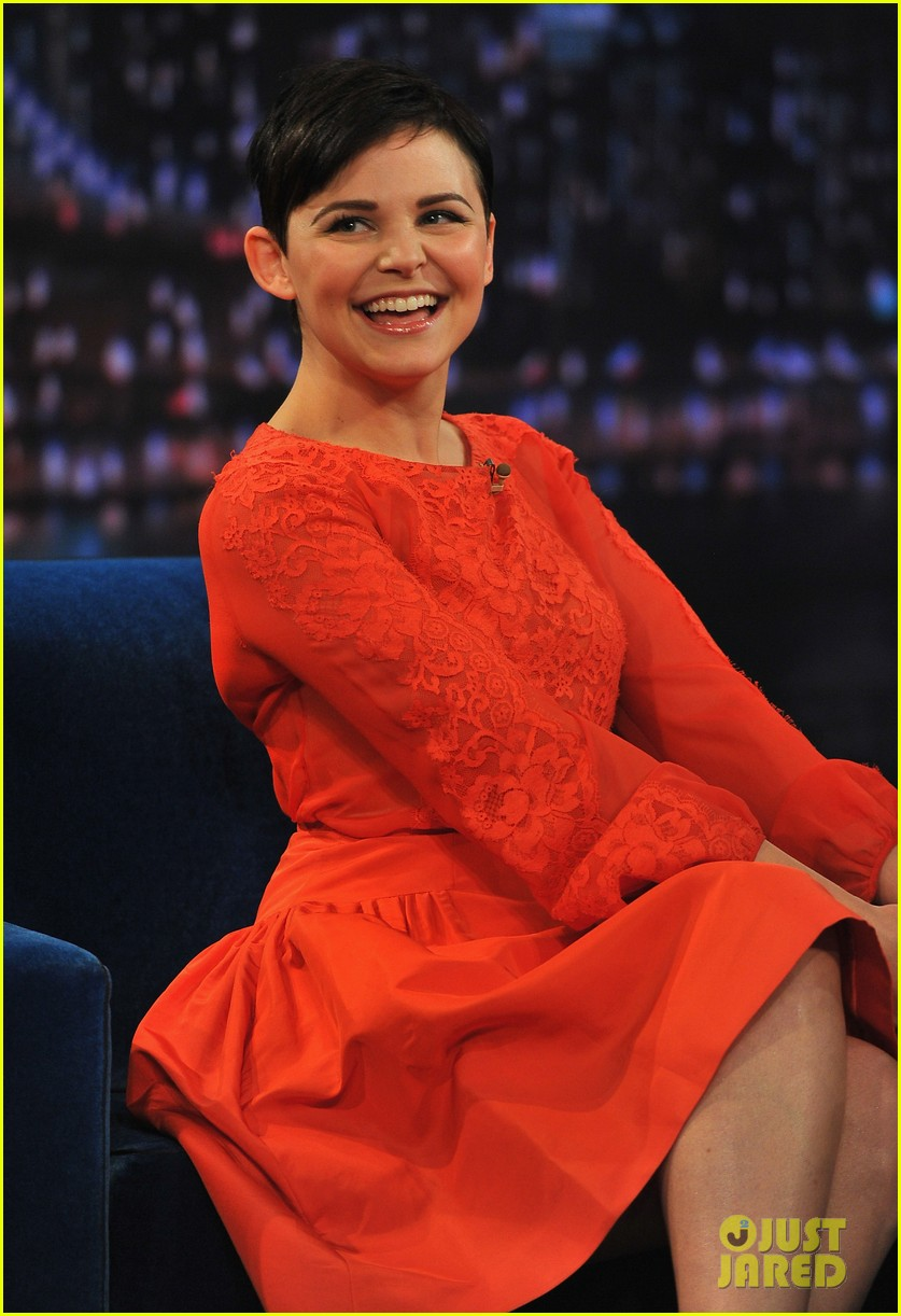 ginnifer goodwin late night with jimmy fallon appearance 02