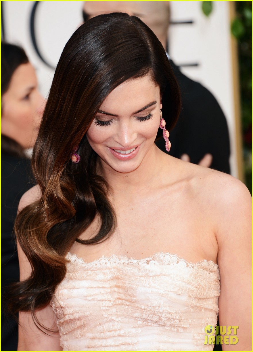 megan fox golden globes 2013 red carpet with brian austin green 06
