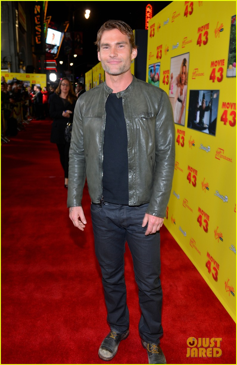 chelsea handler seann william scott movie 43 premiere 18