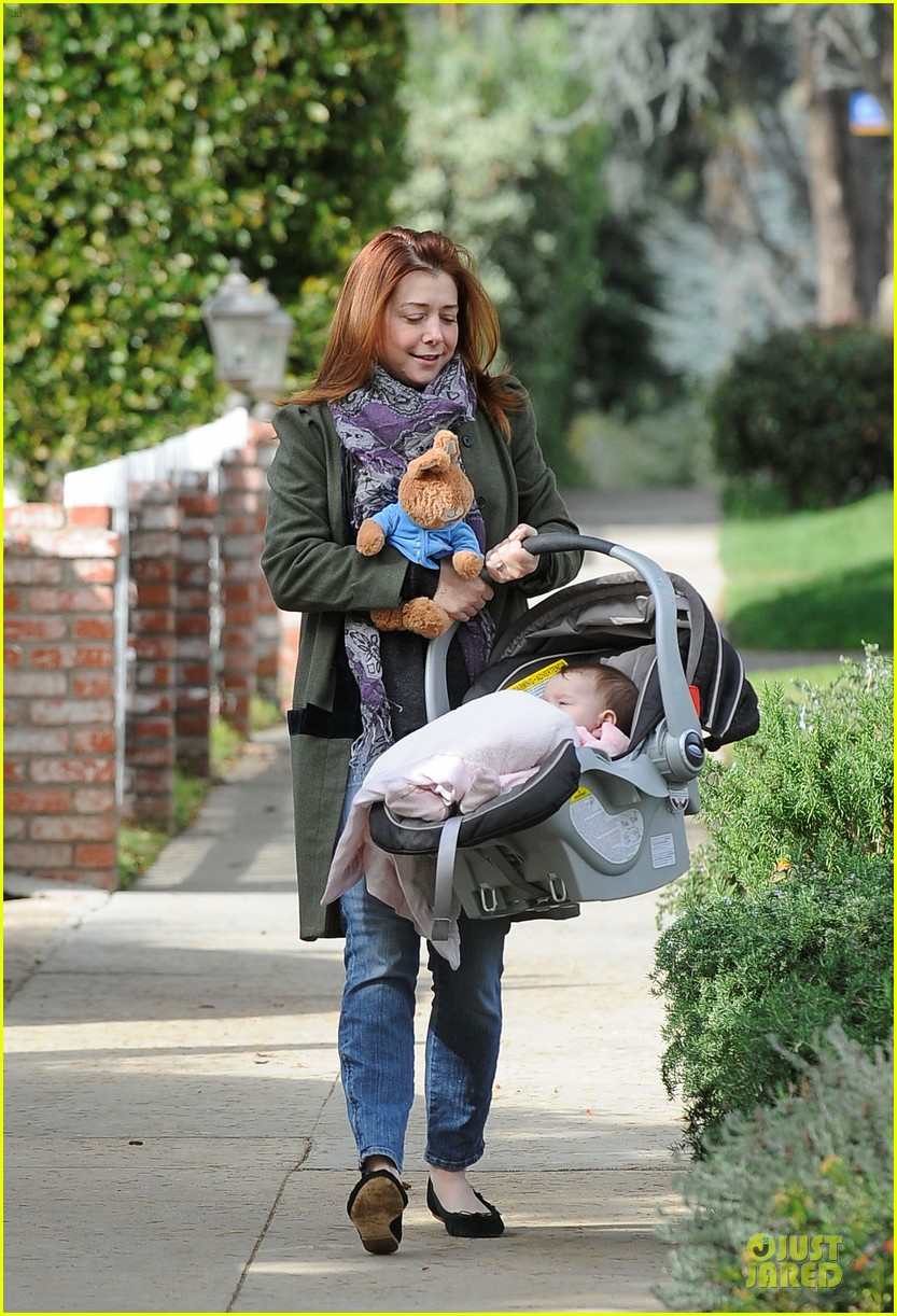 alyson hannigan motherhood is the most rewarding job ever 102782991