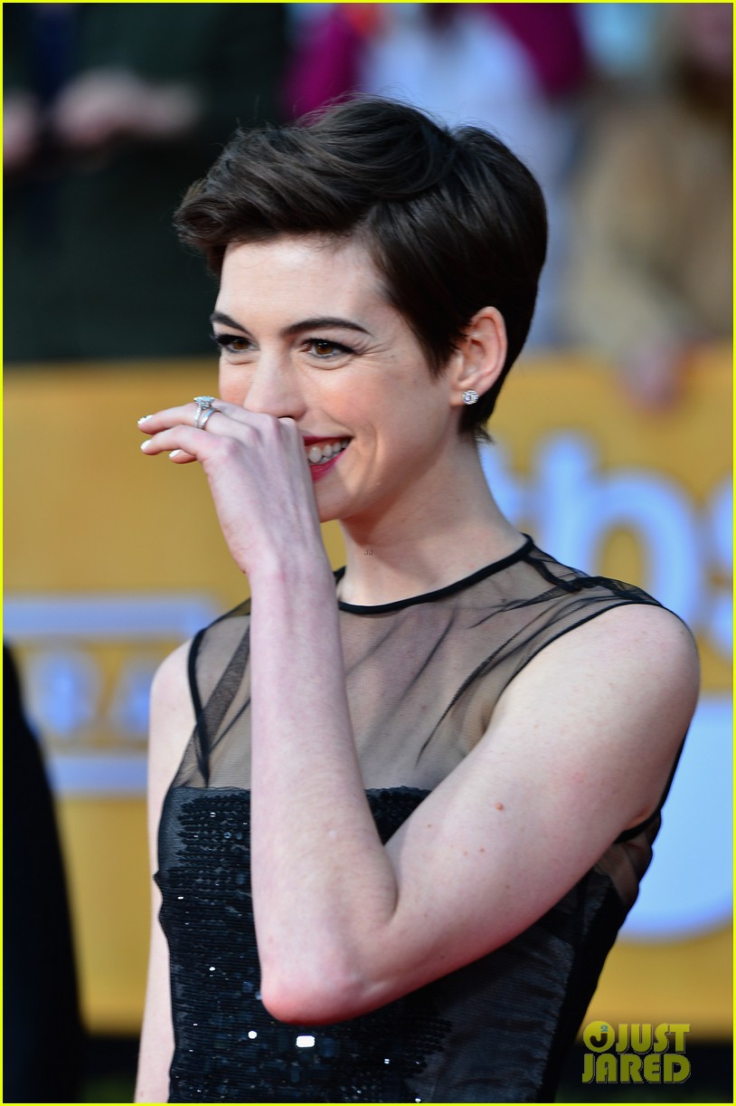 anne hathaway sag awards winner 12
