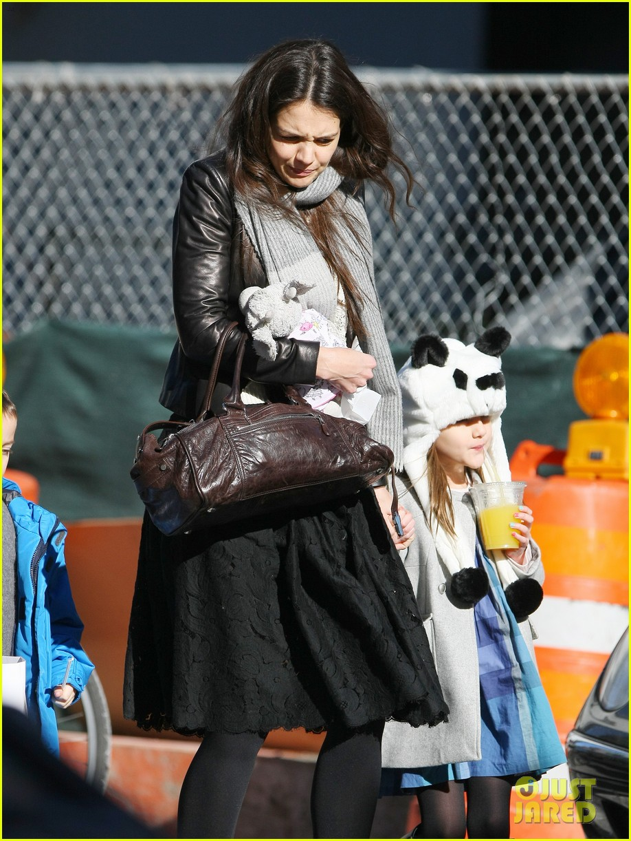 katie holmes sunday brunch with suri 052799481