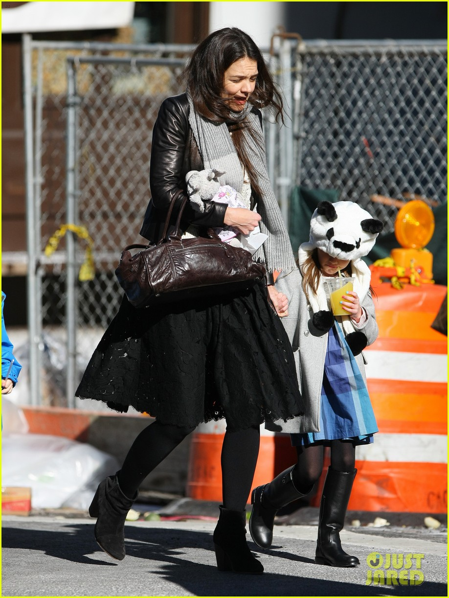 katie holmes sunday brunch with suri 20