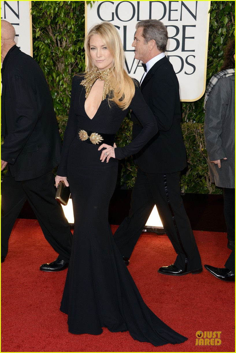 kate hudson golden globes 2013 red carpet 032791010