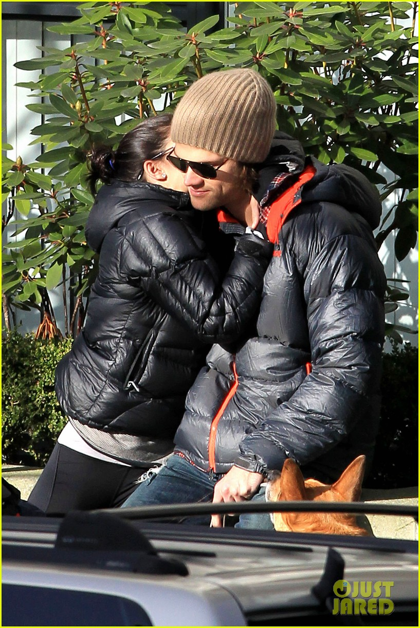 jared padalecki genevieve cortese park playdate with thomas 162795367