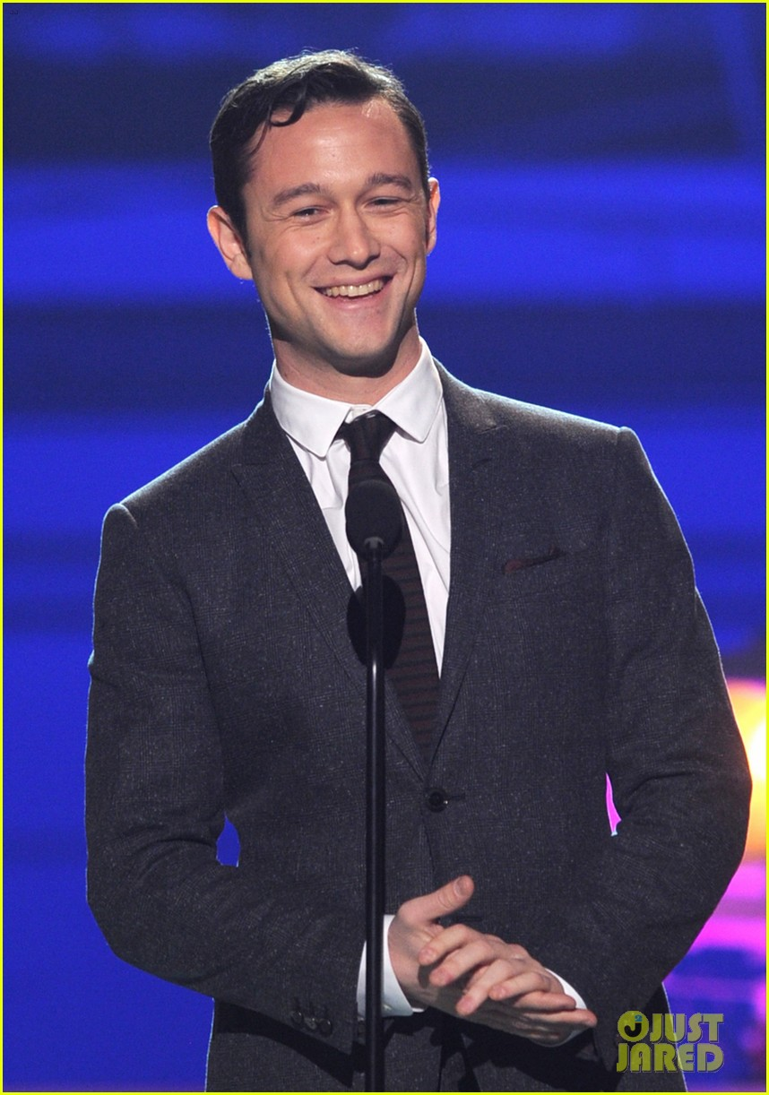 jgl bale critics choice awards 15