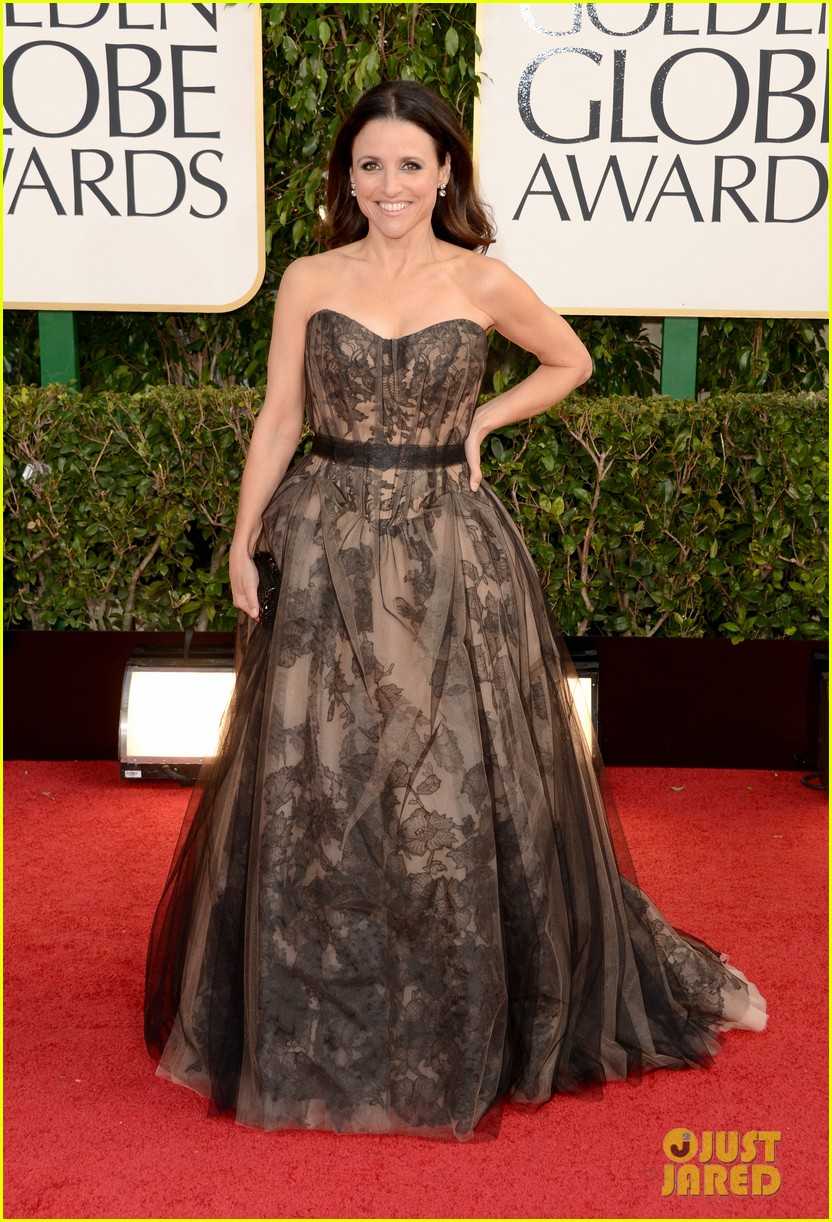 julia louis dreyfus golden globes 2013 red carpet 01